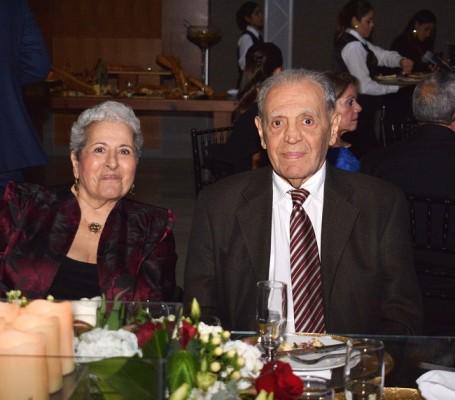 Don Napoleón Larach y su esposa, Julita de Larach