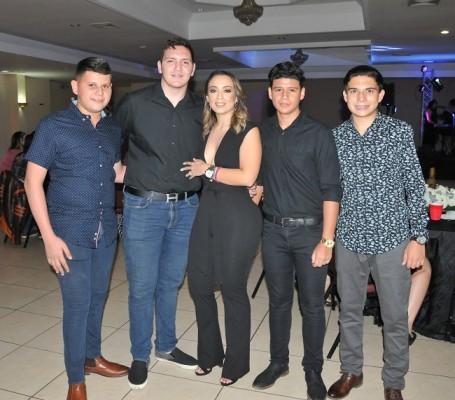 Emmanuel Alvarado, Jose Zaldivar, Pamela Mejía Triminio, Joshua Triminio y Rigoberto Alvarado