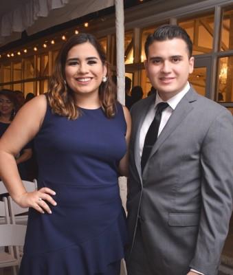 Gabriela Ramos de Mejía y su esposo, David Mejía