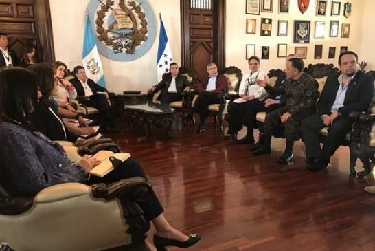 Presidente Hernández llegó a Guatemala para estudiar un plan migratorio y definir retorno seguro de hondureños