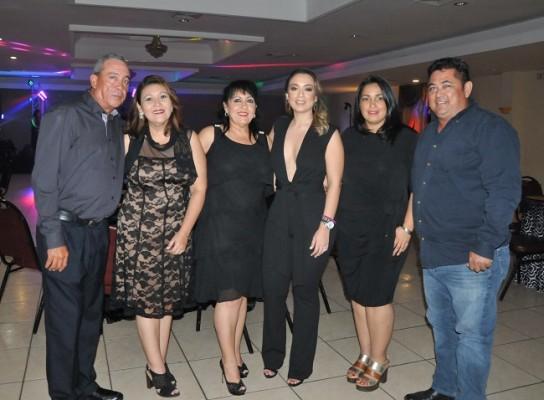 Jeffrey Triminio, Raquel Lopez, Midian Triminio, Pamela Mejía Triminio, Marisol Dominguez y Henry Fuentes