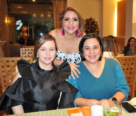 Jocelyn Kattum, Cristina Gatlin y Silvia Paguada