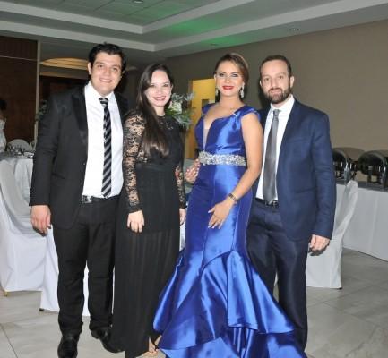 Mario Alcolea, Carmen Salvadó, Pamela Rubí y el hermano de la novia, José Tabueña