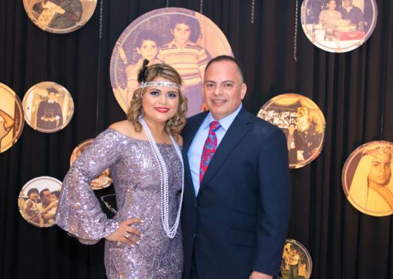 Patricia de Carrillo y Rony Carrillo, celebrando sus 50 kilates en su fabulosa fiesta al estilo de El Gran Gatsby ¡Fiestón!