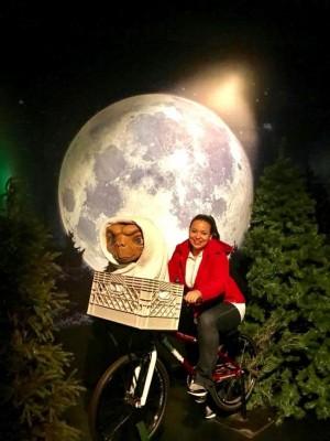 Sonia Pineda disfrutó de sus vacaciones haciendo un maravilloso viaje con E.T.