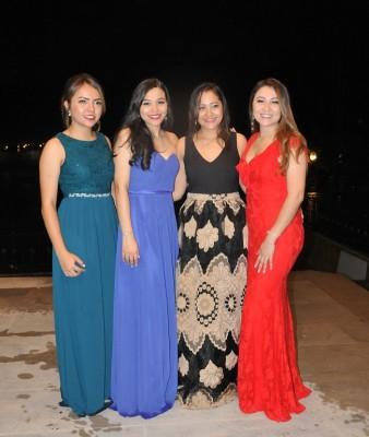Stephany Zepeda, Vanessa Rosales, Nancy Lara y Victoria Lara