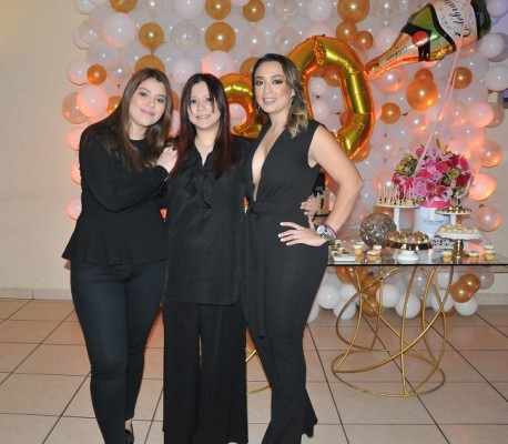 Tania Rapalo, Ruth Giron y Pamela Mejía Triminio