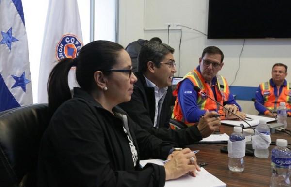 Ante alerta roja por las lluvias, Hernández pidió a pobladores de zonas de riesgo tomar con mucha seriedad la situación