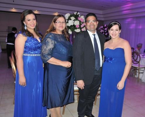 Amanda Bonilla, Gloria Quezada, Aaron Hernández y Karen Hernández