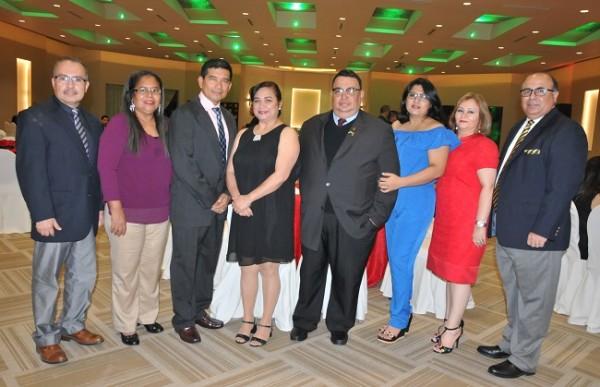 Carlos Rodríguez, Patricia Vásquez, Edwin Galéas, Norma de Galéas, Jacobo Mejía, Mirna Aplícano, Marleny de Lozano y Yaco Lozano