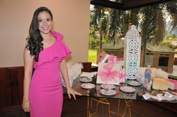 Cindy Carolina García se casará con su prometido Héctor Hernández este viernes 16 de noviembre.