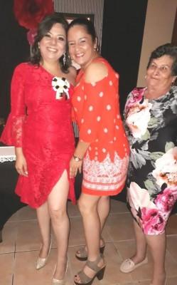 Cindy Granados, su cuñada Cindy Paz y su futura suegra Ana Ortega