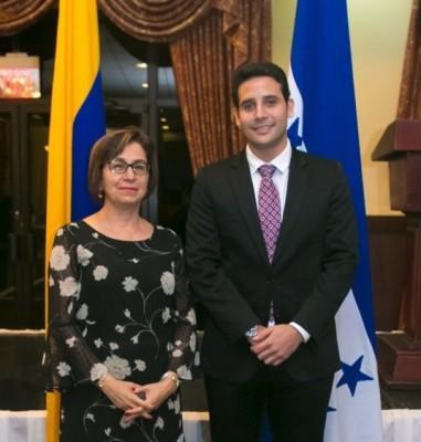 Claudio Maalouf Cónsul Honorario de Colombia con la embajadora Victoria González Ariza.