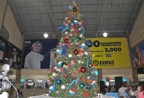 Con espectáculo de pirotecnia Pepsi inaugura la Navidad en la Gran Central Metropolitana