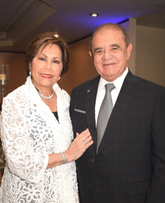 Doña Nena Marinakys de Díaz Lobo y don Alberto Díaz Lobo