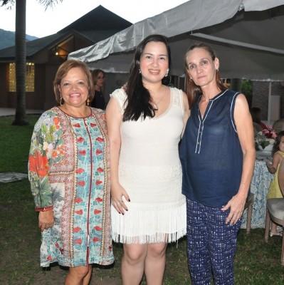Elena Dubón, Christiane Rodríguez y Rosa Valladares