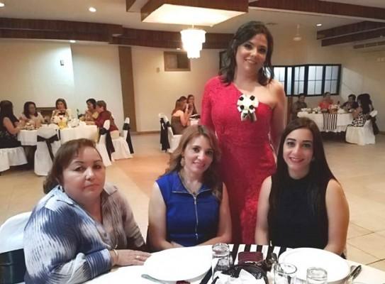 Elsa Landaverde, Papsy Lesage, Cindy Granados y Brenda Rubi