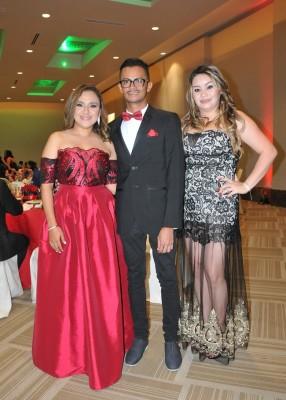 Jackeline Henríquez, Eynor Vásquez y Keillyn Hernández