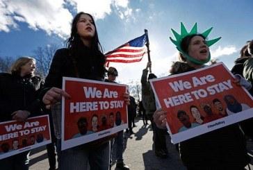 Juez federal bloquea la medida de Trump para limitar solicitudes de asilo a los inmigrantes