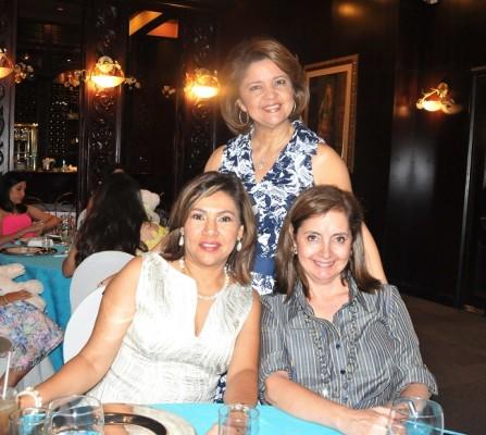 Lizeth Miranda, Geraldina de Pineda y Patricia Salomón