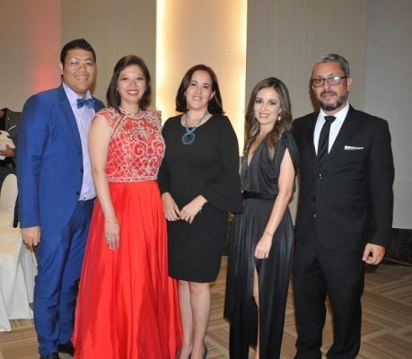 Mario Chong, Carla Chong, Arlen Caballero, Claudia Olivera y Alejandro Zelaya