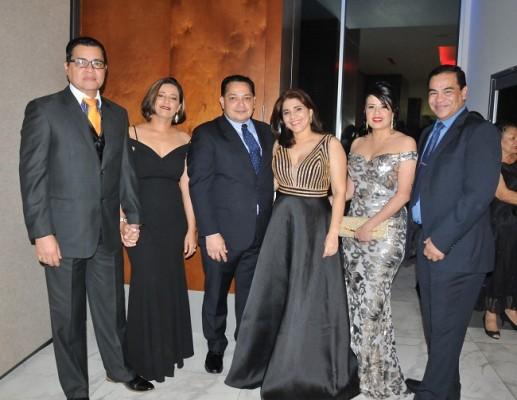 Obed Corea, Larissa de Corea, Nicolas Montes, Patricia Paz, Julissa Hernández y Aaron Pineda