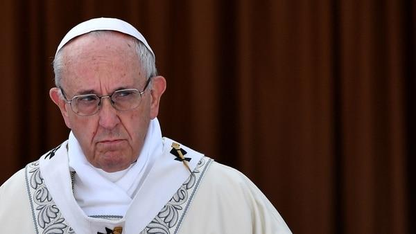 """Afirma el papa Francisco que """"los chismosos y chismosas son terroristas"""""""