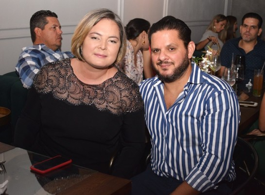 Roberto y Helga Nassar