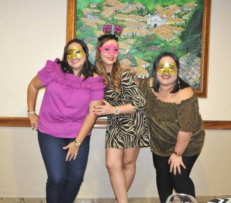 Sonia Portillo, Birnely Mejía y Elsa Ruíz