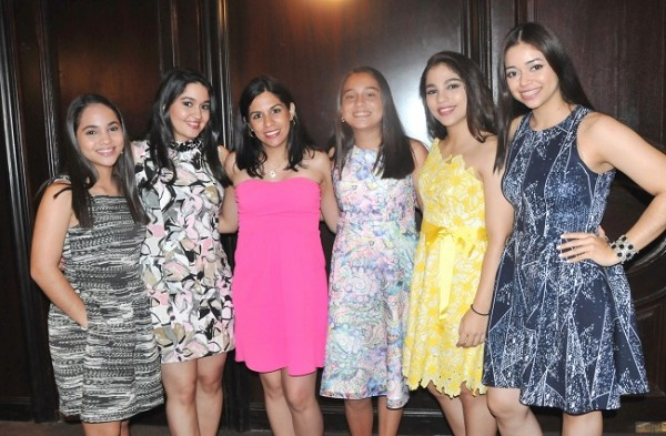Victoria Jarufe, Lizbeth Aguilar, Alejandra de Aguilar, Mafer Cisneros, Valeria Jarufe y Alejandra Flores