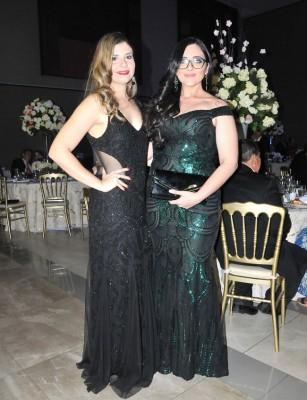 Alejandra Flores y Samira Mendoza