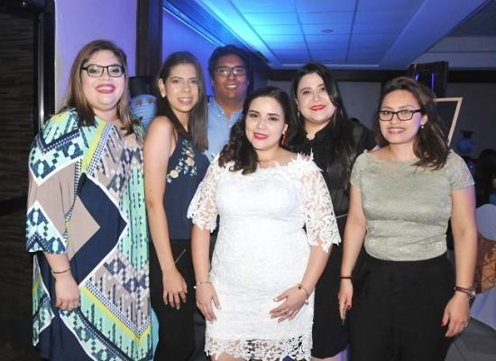 Ana Medina, Claudia Banegas, Samir Méndez, Heidy Aguilera, Elizabeth Alvarado y Belkis Ramírez