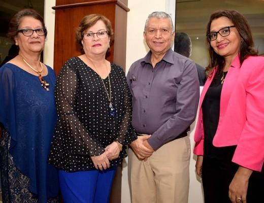 Belinda Cruz, Rosell Cerna y su esposa con Sandra Paz