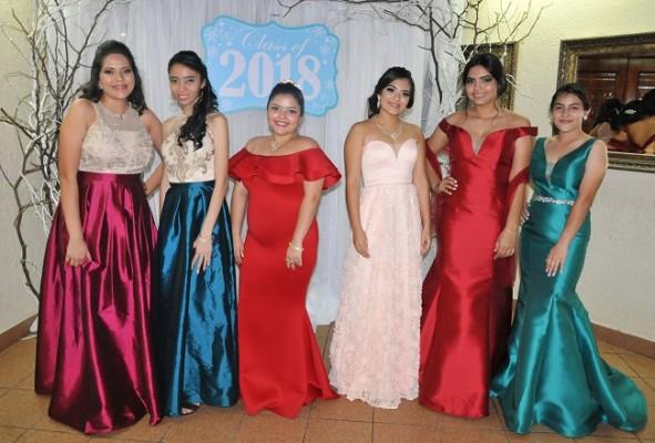Beverly Reyes, Joselyn Rápalo, Nairoby Alvarenga, Abigail Cerrato, Karen Rubí y Arlene Díaz
