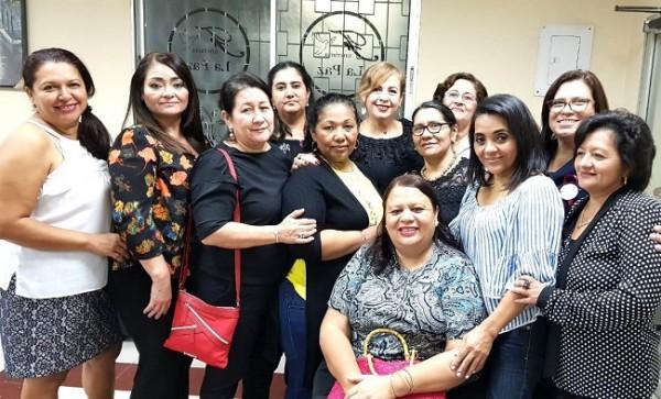Como amigas, acudieron para brindar fortaleza a Marthita Rodríguez tras la pérdida de su madre durante ese mismo día en que se reunieron.