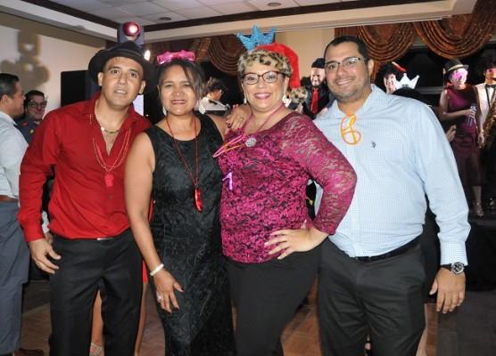 Daniel García, Mauren Almendárez, Tania Pineda y Carlos Figueroa