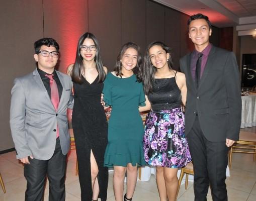 Edgardo Rodríguez, Daffny Fu, Tiara Hernández, Natalia Suazo y Julio Acosta