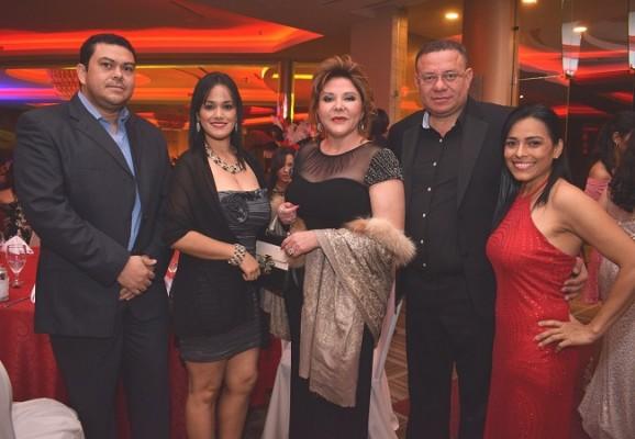 Elmer Hernández, Alejandra Zelaya, Ruth Rápalo, Leopoldo Crivelli y Ruth Laínez