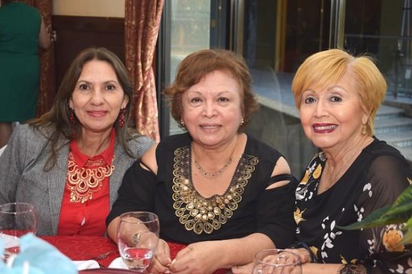 Fanny de Ponce, Bessy Arriaga e Irma Julia Zepeda