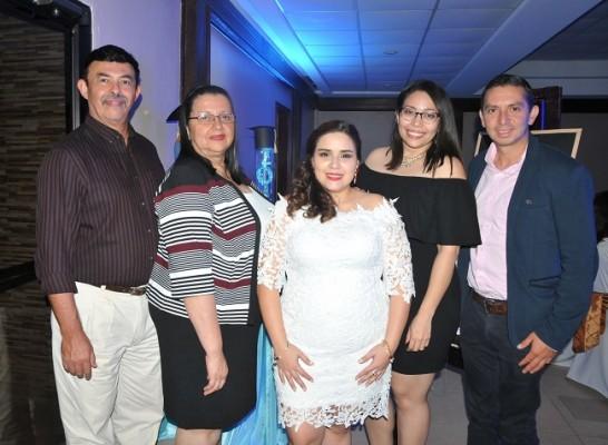 Guillermo y Tania de Pedroza, Heidy Aguilera, Tracy Moreno y Eddy Burgos