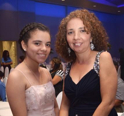 Hefsiba Rivera y Lorena Lara