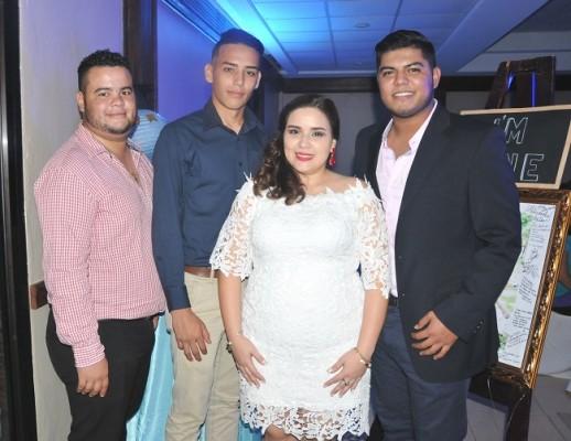 Henry Vargas, David Castillo, Heidy Aguilera y Kenneth Tábora