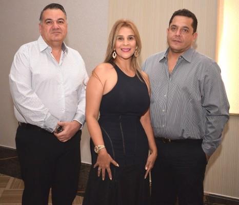 Jesús Yacamán, Gricelda Romero y Xavier Salgado