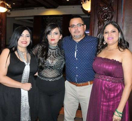 Jessy Martínez, Sofía Miranda, Miguel Rodríguez y Katia Vega