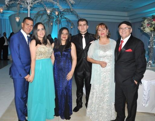Joel Oviedo, Cinthia de Oviedo, Patricia Aguilera, Abraham Granados, María de Granados y Sergio Tulio Granados.