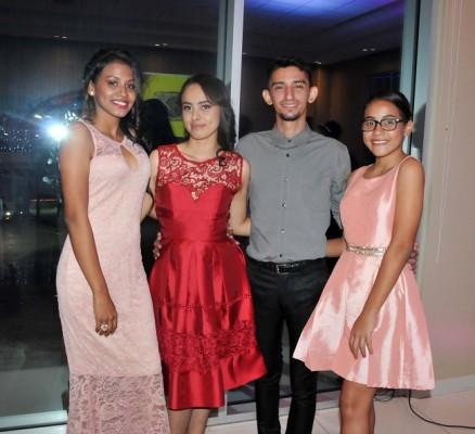 Keily Calix, Aracely Hernández, Branston Lainfiesta y Katherine Bardales