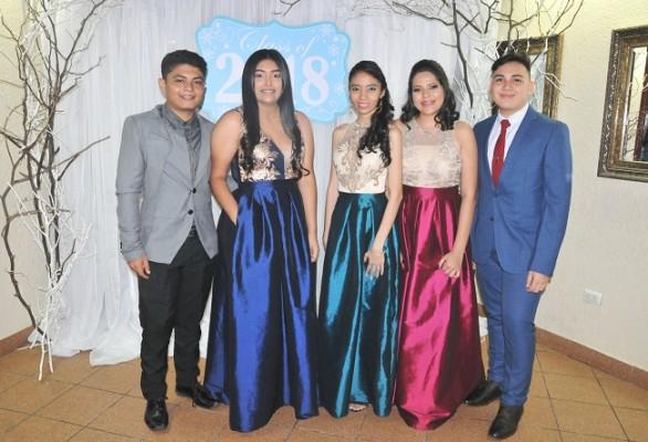 Kevin Escobar, Fernanda Rivera, Joselyn Rápalo, Beverly Reyes y Robert López