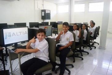 Alumnos del Centro de Educación Básica de Armenta son beneficiados con laboratorio de computación