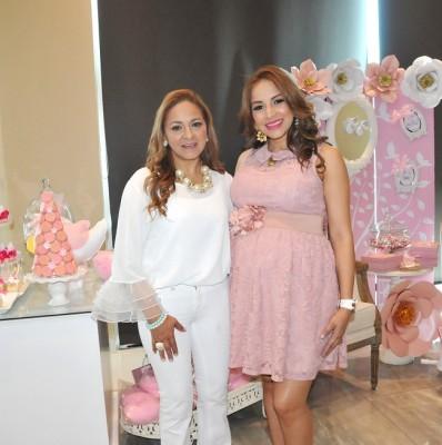 Lorna Avendaño y Lorna Knuth