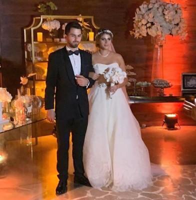 Luego de comprometerse el 6 de octubre del 2017, Andrea Gabrie y Jorge Rodríguez se unieron en matrimonio y celebraron al estilo Tropical Paradise en Indura Beach / Golf Resort